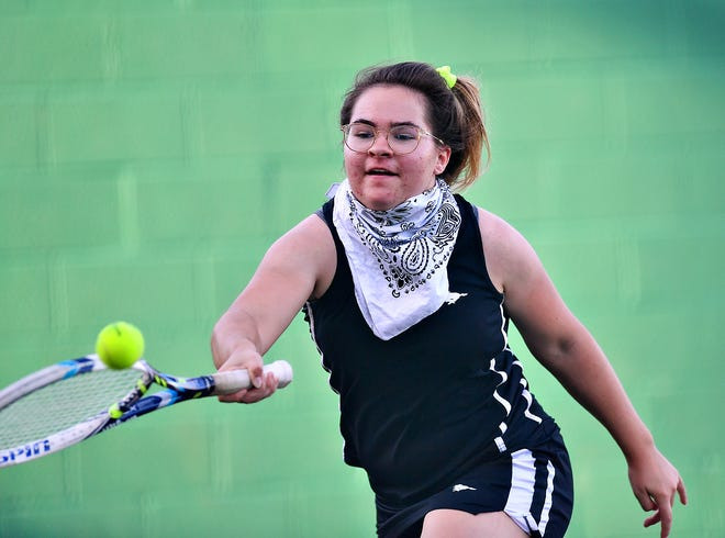 South Western's Emma Cockey returns the ball to Central York's Audrey Stewart during the #2 singles match at South Western High School in Hanover, Wednesday, Sept. 23, 2020. Dawn J. Sagert photo