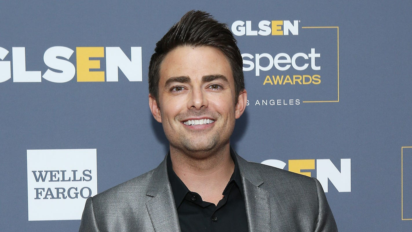 Hallmark Christmas movie features LGBTQ storyline starring Jonathan Bennett