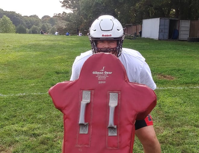 Abington senior Billy Everitt is a four-year starter on the offensive line for the Ghosts.