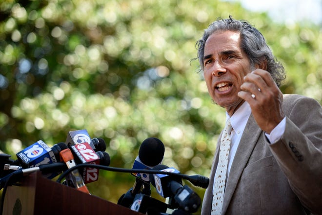 Attorney Barry Silver, speaks about the need for justice for Corey Jones during a news conference in Palm Beach Gardens in 2016. (Daniel Owen / The Palm Beach Post)