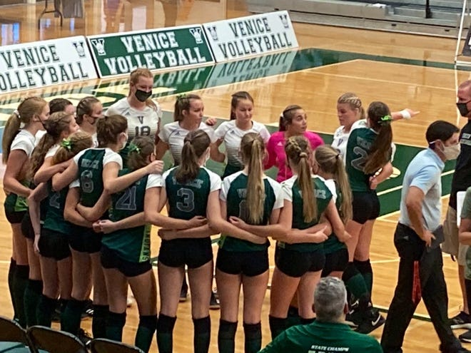 The Venice High volleyball team rallied from 1-0 and 2-1 down to defeat Cardinal Mooney in 5 sets Wednesday night at the Teepee.