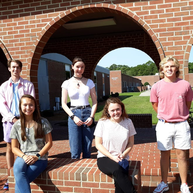 Newly elected SGA and Honor Council officers for Parrott Academy from left: Sean Murphy, Hannah Henderson, Helen Remington, Addie Cheek, and Garrett Mullen.