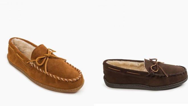 Los mejores regalos para los adolescentes varones: pantuflas Minnetonka