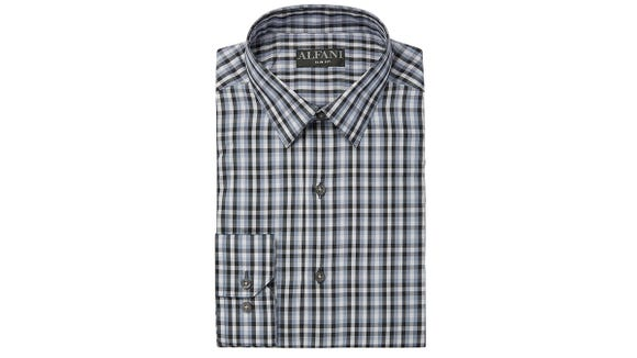 The gingham print of this shirt is super flattering.