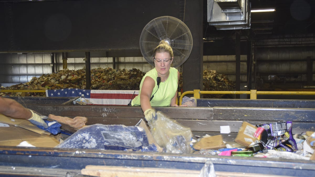 Recycling center helps those in recovery through full-time work