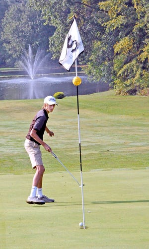 Ean Miller of Waynedale just misses this long putt by inches.