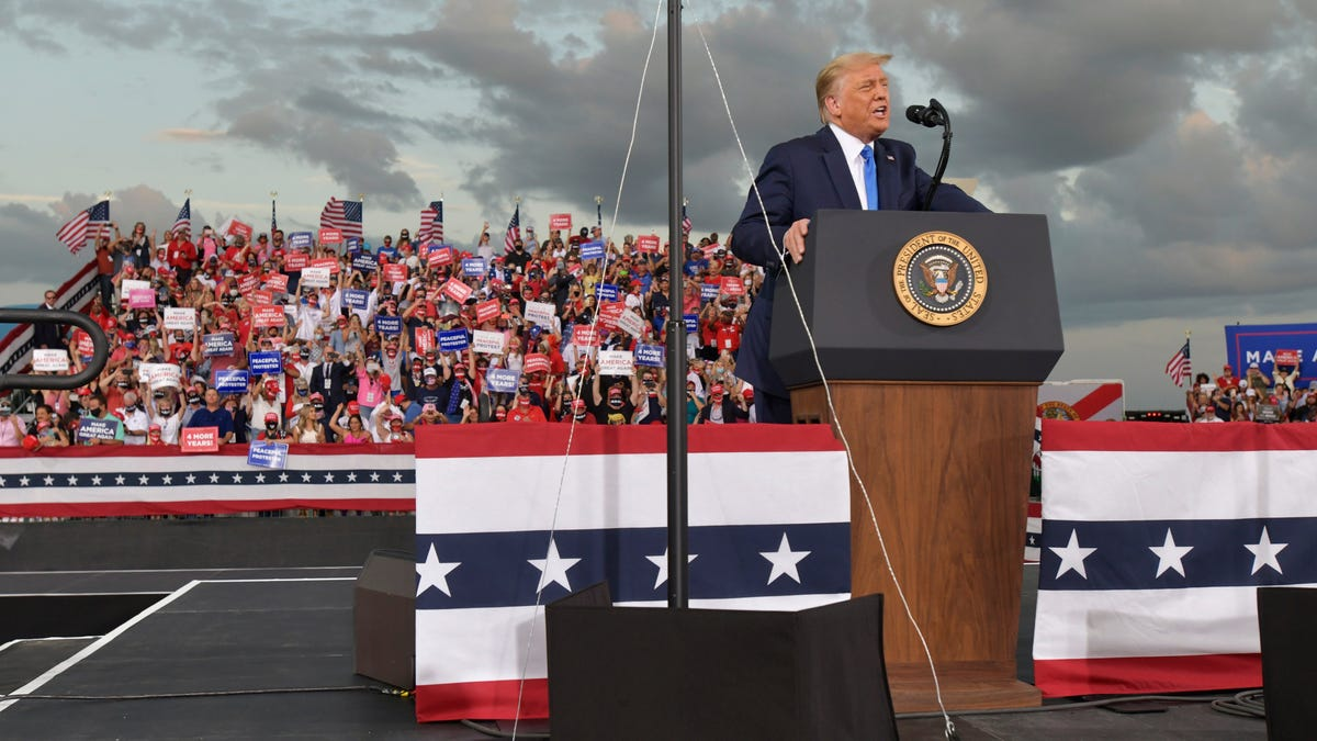 President Trump campaigns in Jacksonville, calls for Biden to release list of Supreme Court choices