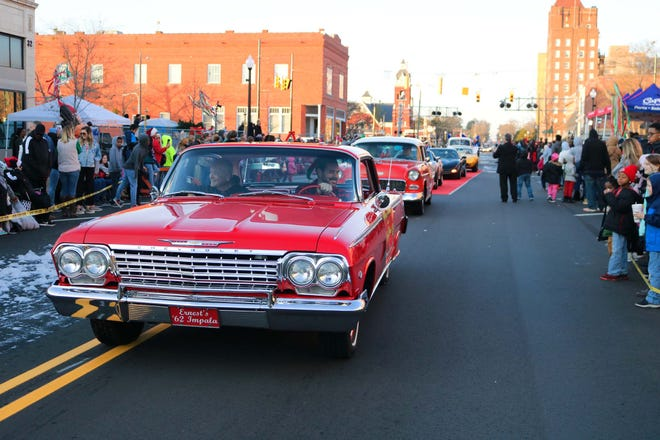 It was a beautiful day for the Kinston Christmas Parade on Saturday, Dec. 7, in downtown Kinston. [Brandon Davis/Kinston Free Press]
