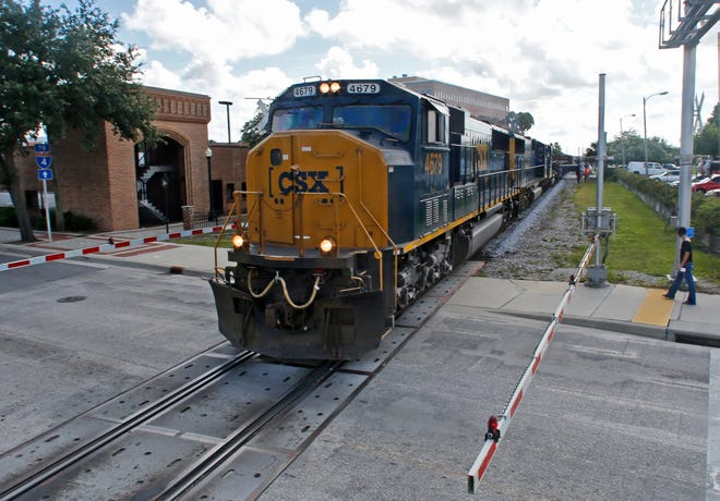 CSX Railroad announces rail crossing closure in Lakeland.