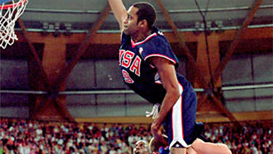 Happy 20th anniversary to Vince Carter putting Frédéric Weis on poster at 2000 Olympics