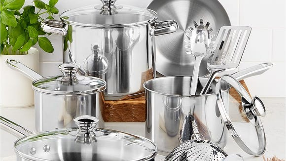 This stainless-steel set has more than 1,500 reviews.