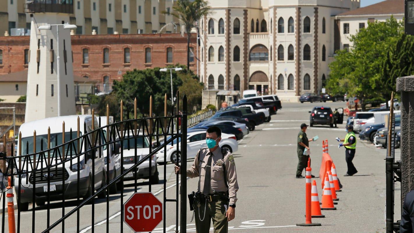 Under new law, California will house transgender prisoners by gender identity