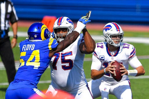 Right tackle Daryl Williams re-signed with the Bills.