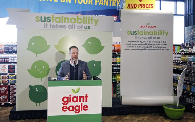 Bexley Mayor Ben Kessler speaks last year during an announcement of Giant Eagle's commitment to eliminate single-use plastics from the company's operations by 2025 and a commitment to immediately remove plastic bags from its Bexley Market District Express store.  [Kyle Robertson/Dispatch]