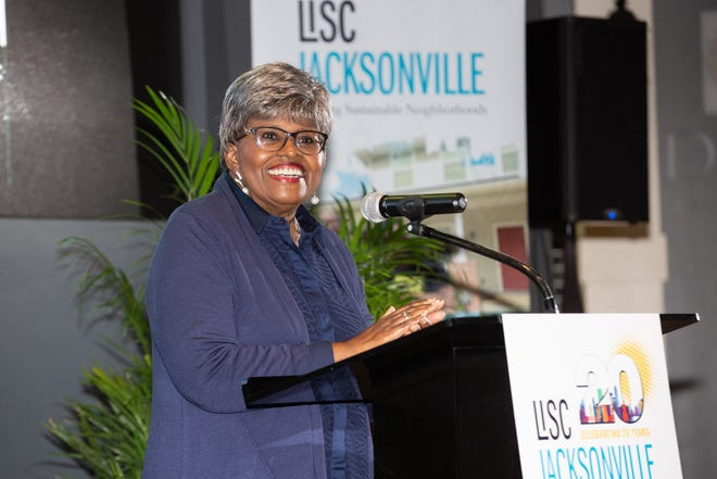"""The late Janet Owens is the recipient of EVE's Arnolta J. """"Mama"""" Williams Lifetime Achievement Award. She was executive director of LISC Jacksonville."""