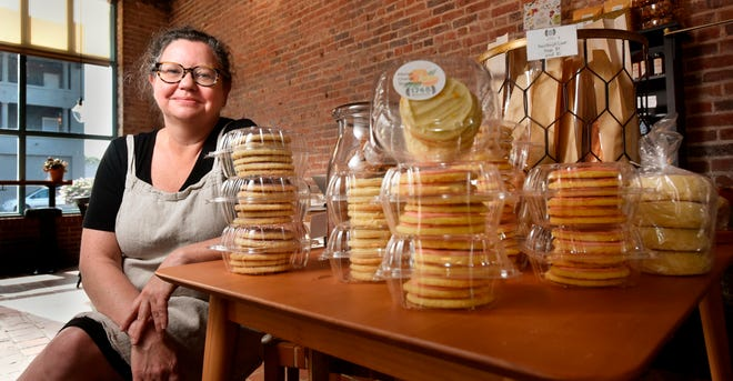 1748 Bakehouse co-owner Allison D'Aurizio does not plan to return to full capacity at her Springfield bakery anytime soon, she says.