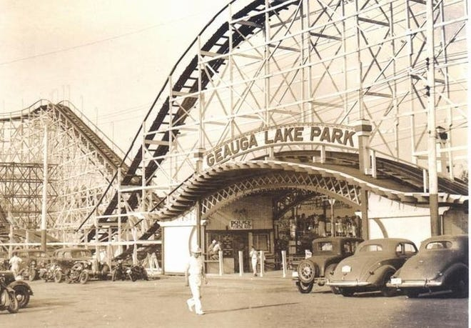 The main entrance into the Geauga Lake Amusement Park. Admission was free in 1925. Patrons paid individually for each ride.