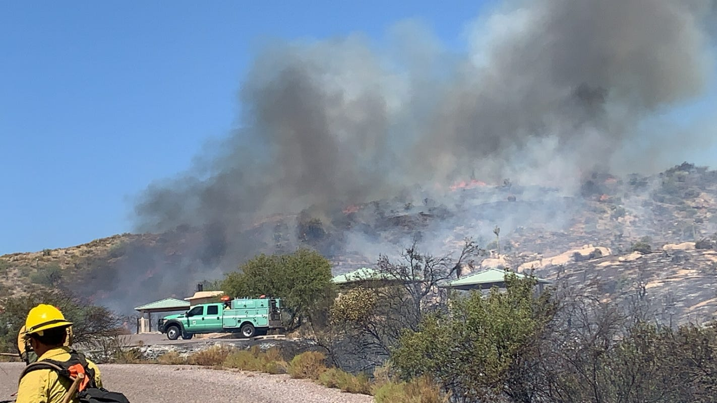 Sears Fire: 15% increase in containment and road access restored