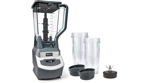 This Ninja blender will up your smoothie game, say shoppers.