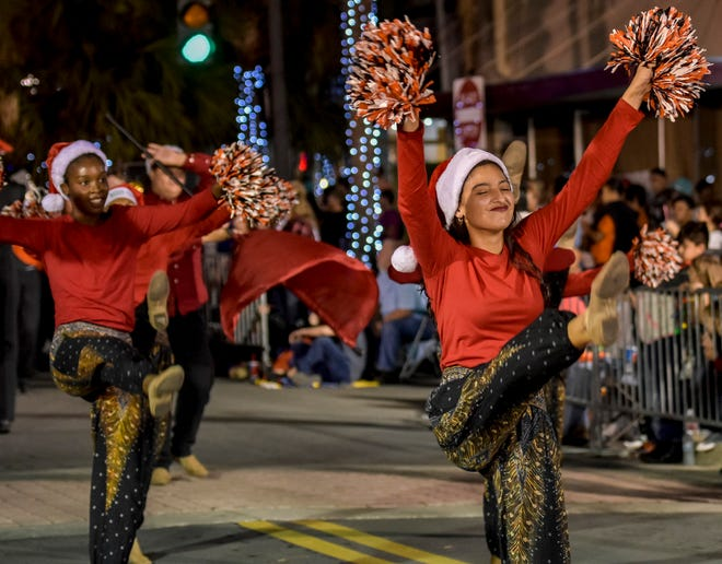 Dancers from Leesburg High School perform at the 50th annual Leesburg Christmas Paradein downtown Leesburg on Saturday, Dec. 2, 2017. [PAUL RYAN / CORRESPONDENT]