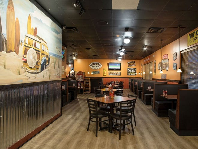 Woody's Bar-B-Q in Ponte Vedra Beach will celebrate its 40th anniversary Saturday with a silent auction, art show and more to benefit the Tim Tebow Foundation's efforts to stop human trafficking.