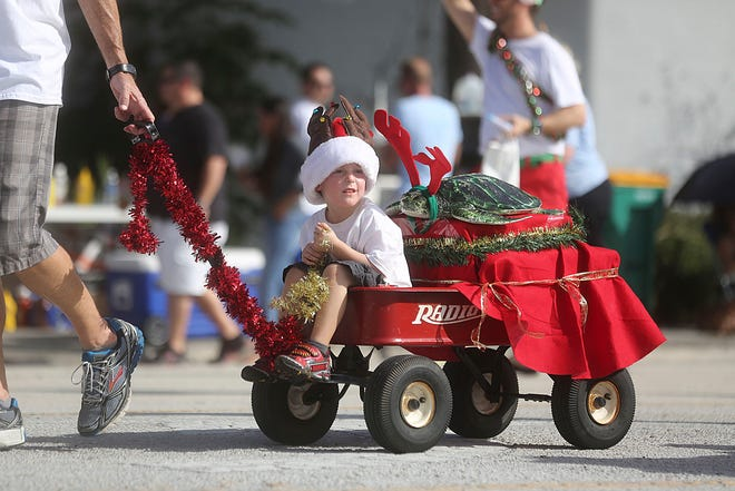A scene from the 2013 Jupiter-Tequesta Holiday Parade.