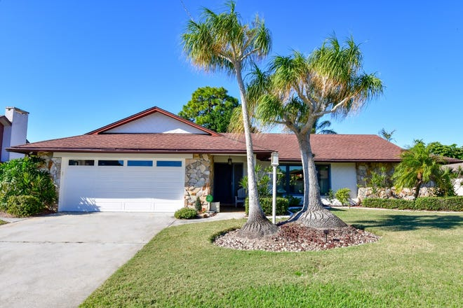 British tennis player Laura Robson recently sold this home at 6120 45th St., Bradenton, for $330,000.
