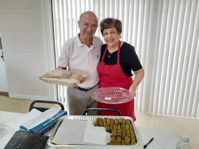 Ο Andrew Pulis φέρνει μεσημεριανό γεύμα στην Ελένη Πατρώνη και στις υπόλοιπες κυρίες στην ελληνορθόδοξη εκκλησία του Αγίου Ιωάννη, αφού κέρδισαν 2.000 $ στις 16 Οκτωβρίου 2019, στο πλαίσιο της προετοιμασίας για το ελληνικό φεστιβάλ τροφίμων 2019. Το φετινό φεστιβάλ επιστρέφει από τις 20 έως τις 21 Νοεμβρίου.
