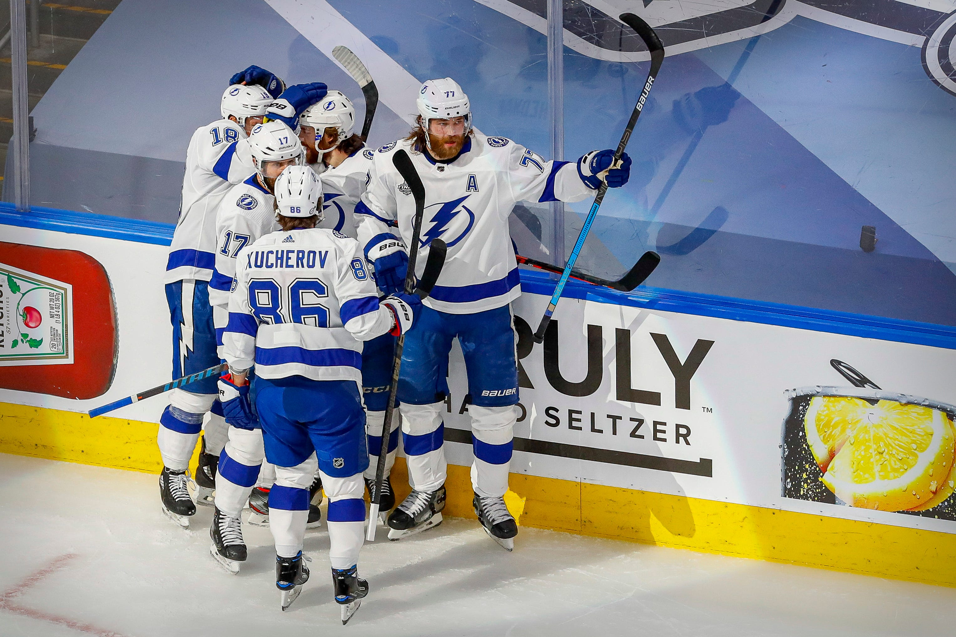 One year after shocking upset, Tampa Bay Lightning capture Stanley Cup with Game 6 win against Stars