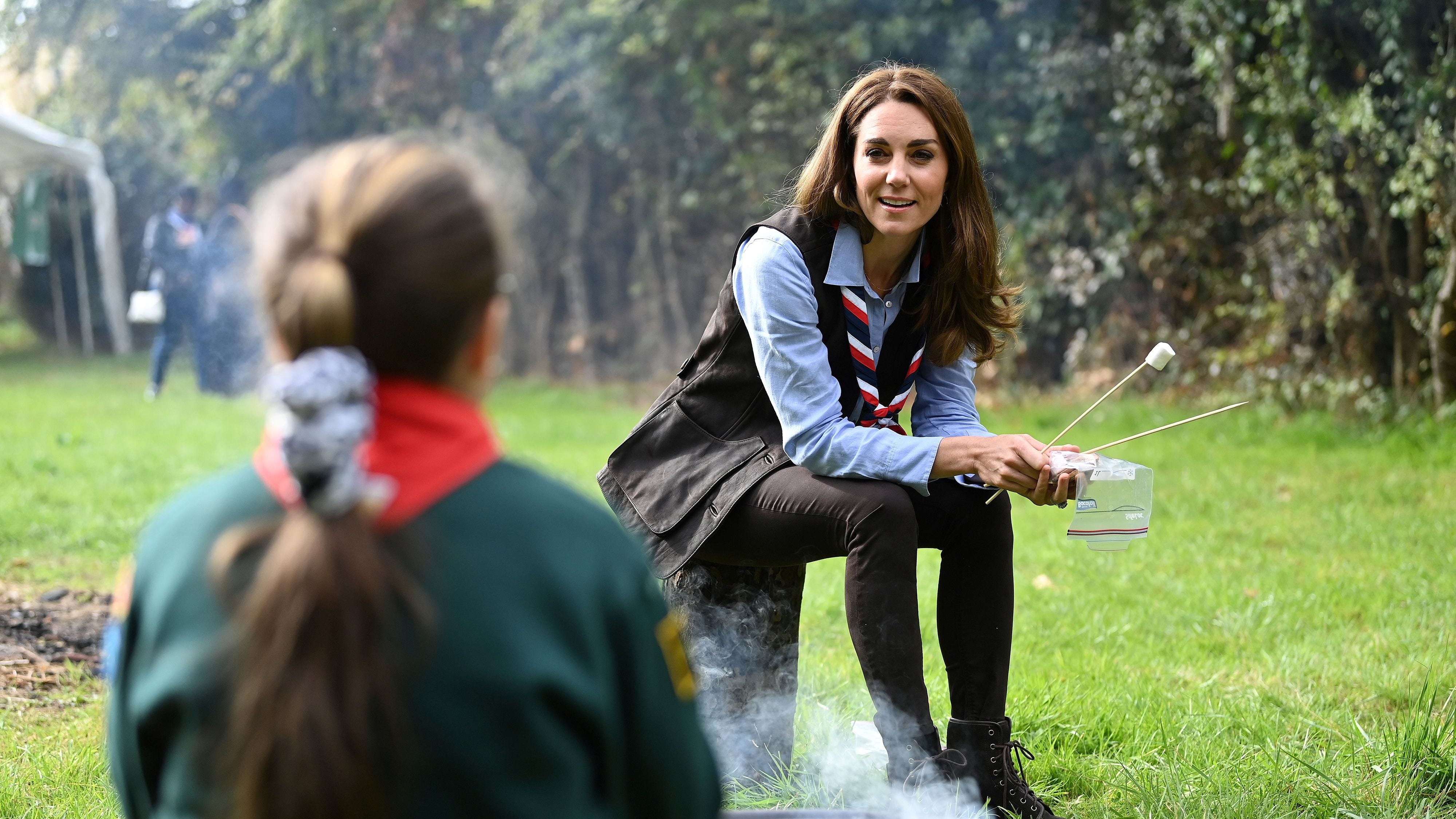 Kate Middleton hangs with Scouts to praise COVID-19 pandemic work