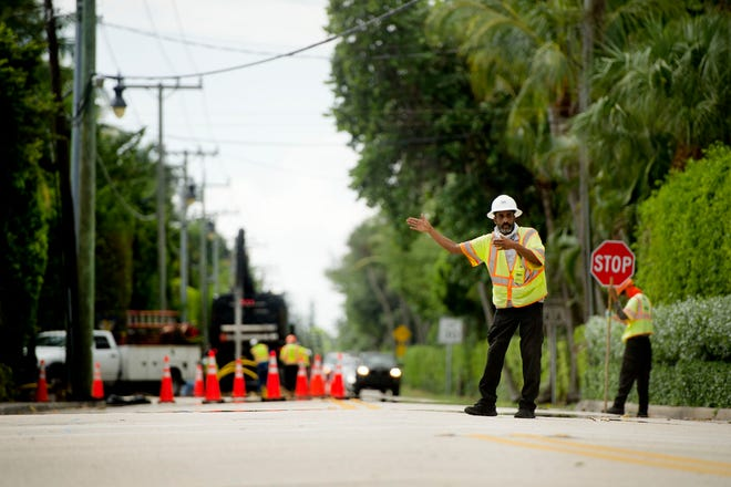 Motorists should expect delays Tuesday along South County Road, south of Barton Avenue due toFlorida Power & Light replacing equipment, the town said Monday in an alert.