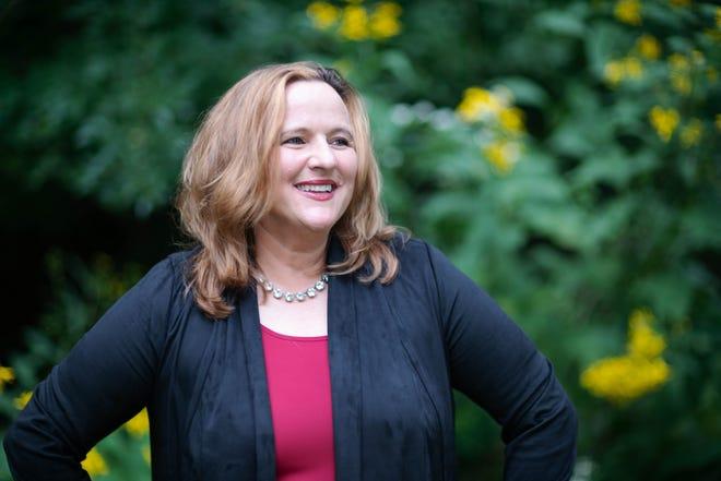 Heidi Campbell, former Oak Hill mayor, is running as a Democrat for Senate District 20.