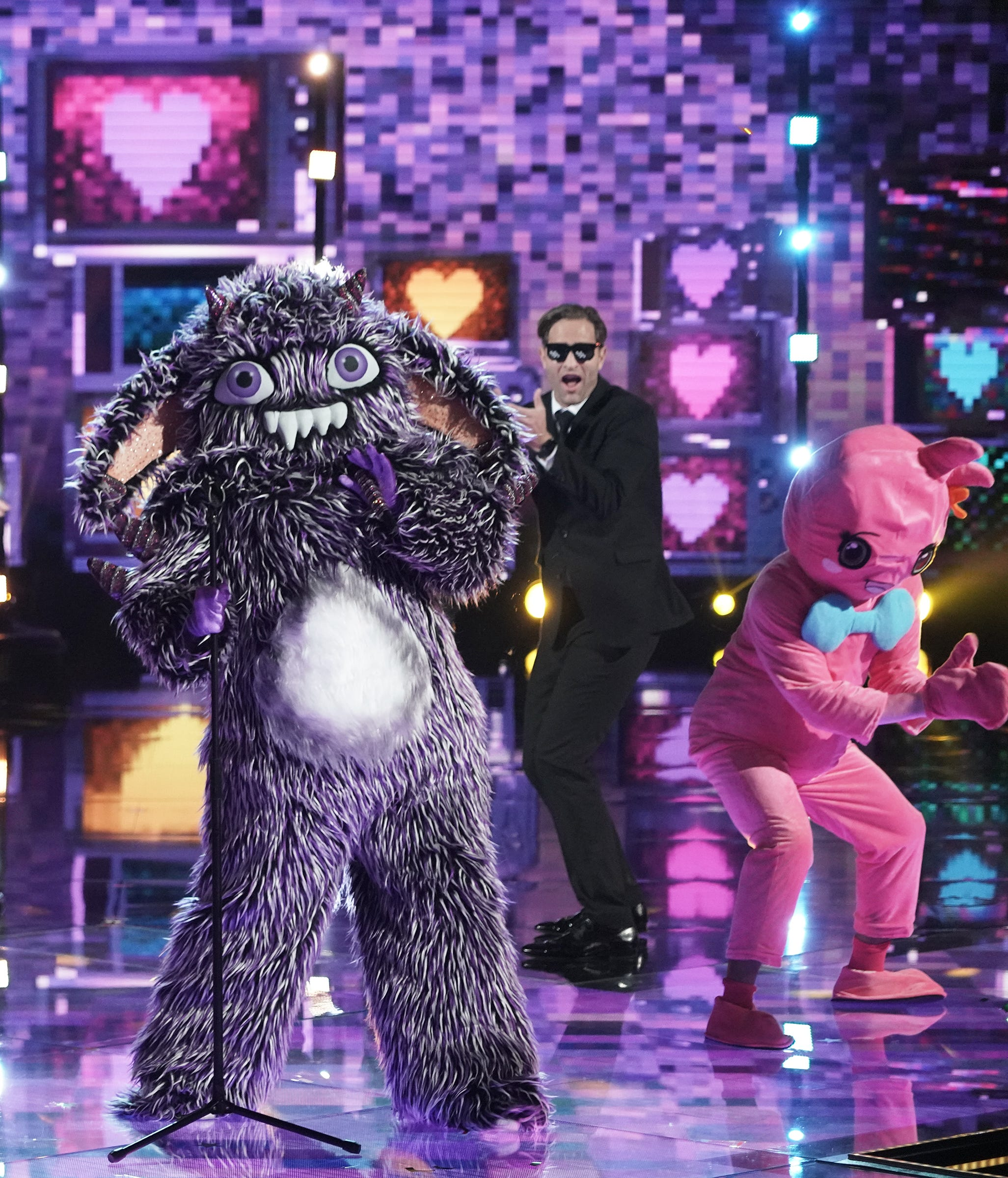 The Masked Singer Recap Gremlin Removes Mask And Eliminates Himself