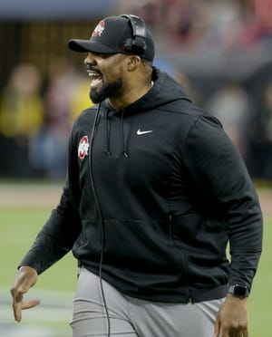 Ohio State linebackers coach Al Washington is reportedly being pursued by Tennessee to be the Volunteers' defensive coordinator.
