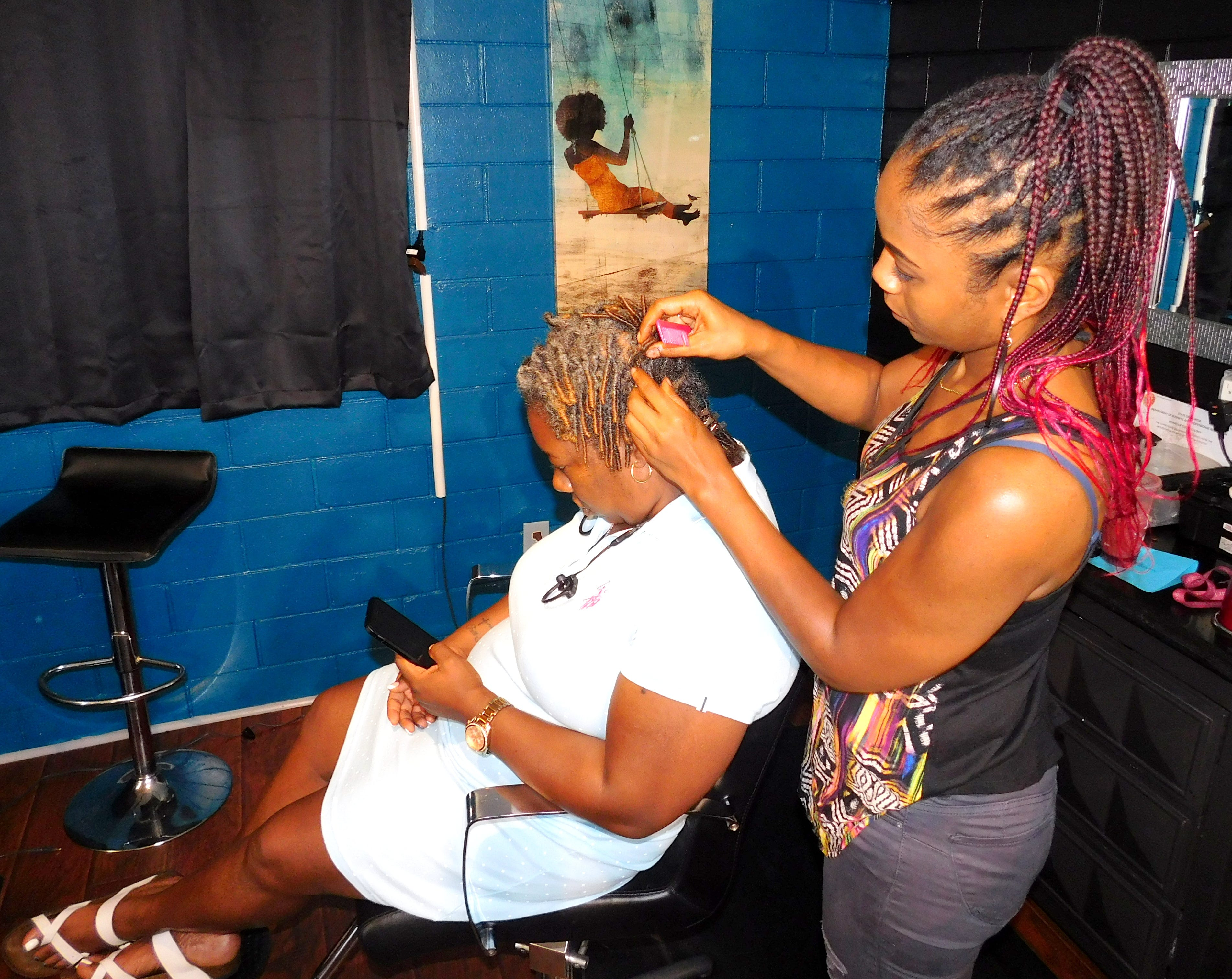 A Florida bill would outlaw 'natural' hair discrimination against Black people. It likely won't even get a hearing. 2