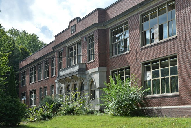The former Roosevelt Middle School is shown on Sept. 18, 2020. [CHRISTOPHER MILLETTE/ERIE TIMES-NEWS]