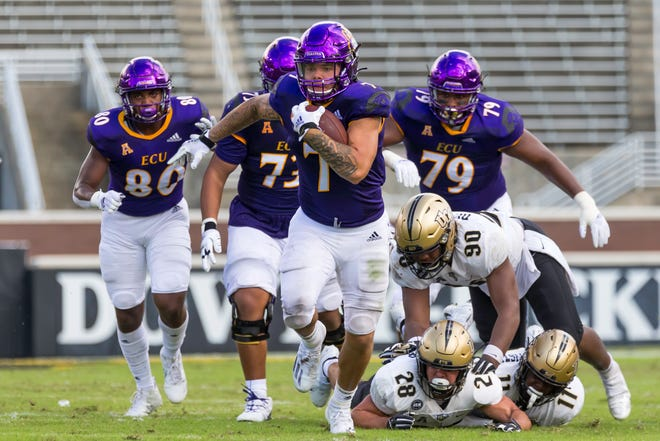 Running back Darius Pinnix Jr. lost his father the day after ECU's season opener. He will no longer be wearing No. 7, but No. 40 in honor of Darius Pinnix Sr. [Rob Goldberg, ECU athletics]