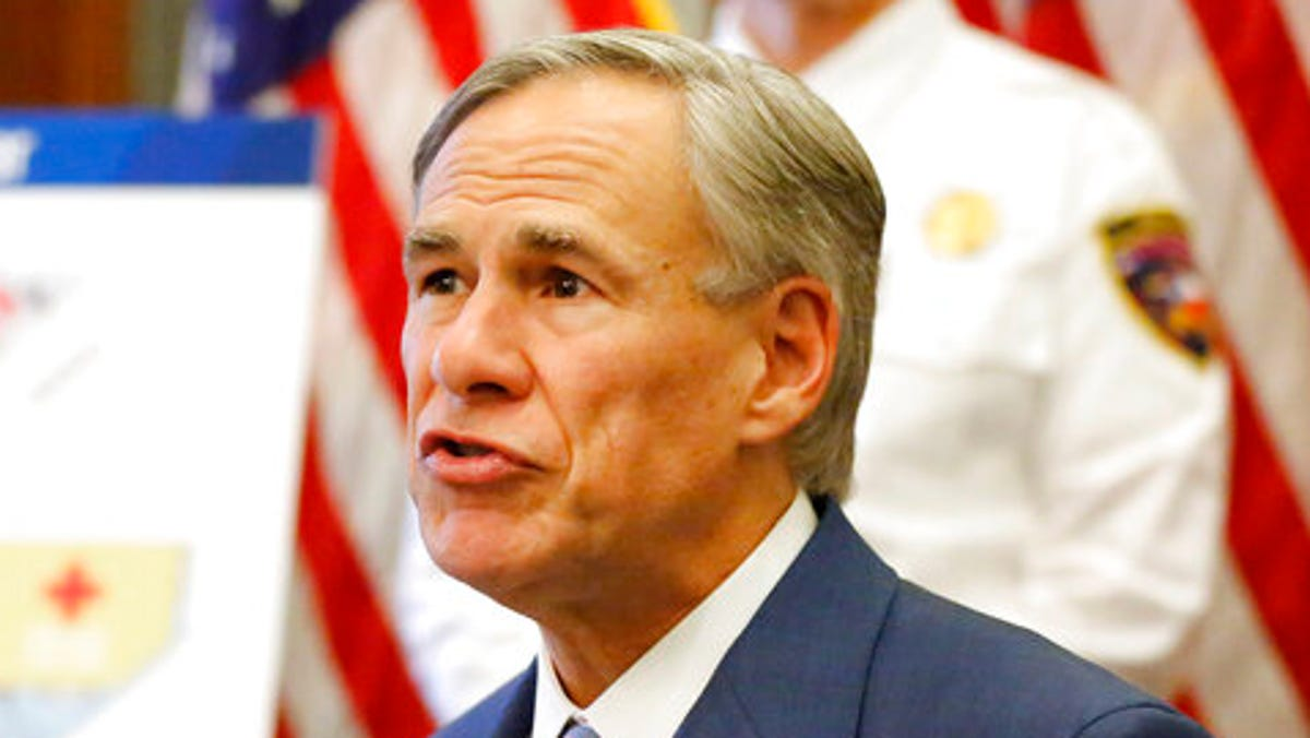 Texas crisis has governor facing big backer: energy industry 3