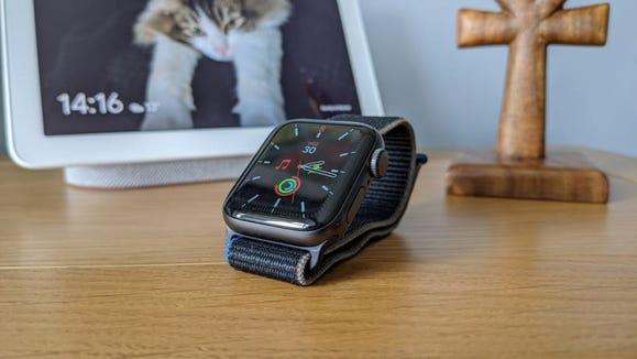 Best gifts from Walmart 2020: Apple Watch SE