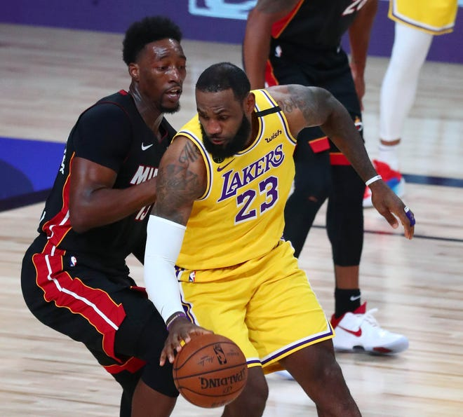 Nba Finals Lakers Dominate Injury Plagued Heat In Game 1