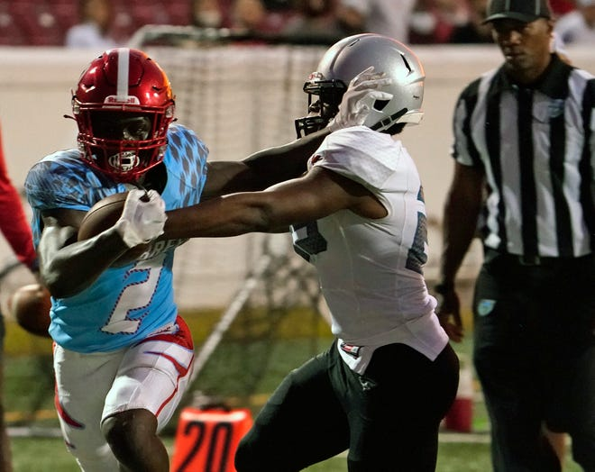Seabreeze senior Amir Brown (2) ran for 154 yards and five touchdowns on just 15 carries against Atlantic.