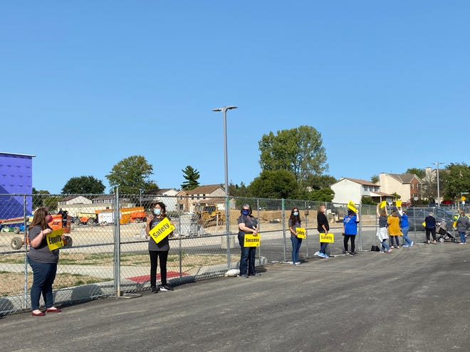 Gahanna-Jefferson Public Schools teachers demonstrate for equity, safety and success Sept 21 at the Lincoln Elementary School construction site.