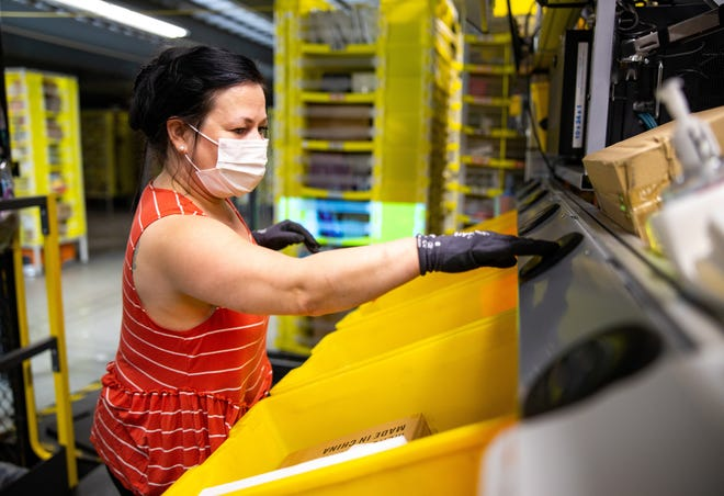 Learn how Amazon's Romulus fulfillment center keeps the health and well-being of team members top priority in the COVID-19 era.