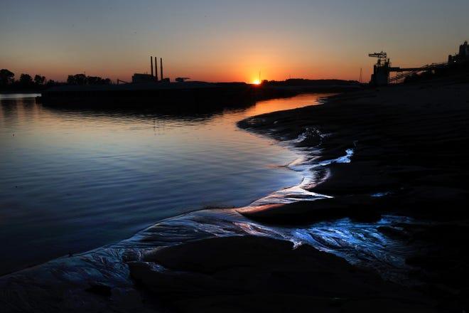 The TVA Allen Fossil Plant seen across McKellar Lake on Oct. 1, 2020.