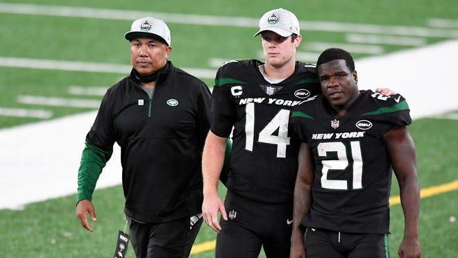 Ny Jets Implode Against Depleted Broncos In 37 28 Loss At Metlife