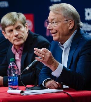 Phillies president Andy MacPhail, right, speaks as GM Matt Klentak, left, and managing partner John Middleton listen during an October 2019 news conference to announce the firing of manager Gabe Kapler.