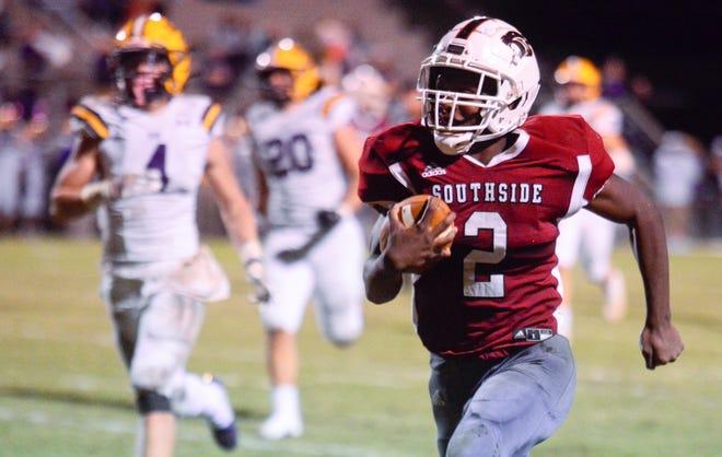 Southside's Carnel Davis runs the ball against Springville on Friday, Oct. 2, 2020.