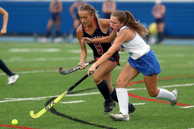 Thomas' Bella Avila (left) and Olentangy Berlin's Ella Walls battle for possession during a game earlier this season. Before facing Watterson on Oct. 5, the Cardinals were 11-1 overall and leading the COFHL-West Division at 7-0.