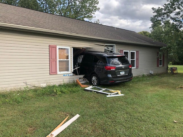 A minivan crashed into a North Side Evansville home Saturday afternoon. The driver was experiencing a medical issue prior to the van leaving the road.