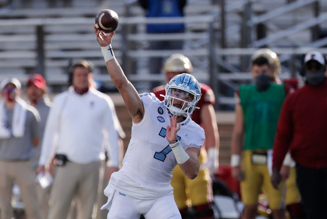 Heavily touted quarterback Sam Howell will look to lead Mack Brown's Tar Heels to a victory vs. FSU on Saturday night.